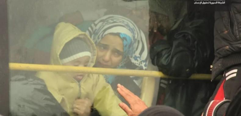 سكان حي الوعر ينضمون إلى 12 مليون سوري مشرد قسرياً ..