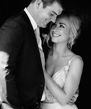 مداعبة أدبية لرجل أراد أن يتزوج على زوجته ..