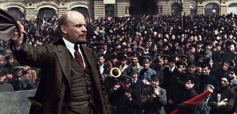 ناقدة الرأسمالية ومجادِلة لينين وشهيدة الثورة الاشتراكية