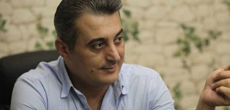 القضاء السوري يتهم الكاتب سامر رضوان بإهانة الدولة والعصيان المسلح