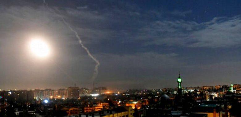 انفجارات تهز العاصمة دمشق ناجمة عن صواريخ اسرائيلية تستهدف مناطقفي محيطها