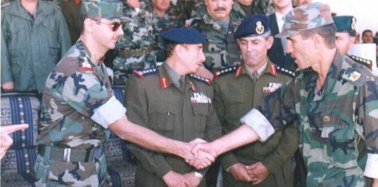 """زوجة مخابراتي عتيق كان على إطلاع بأكثر ملفات الأسد حساسية تدخل إلى """"الهلال الأحمر""""من أوسع أبوابه"""