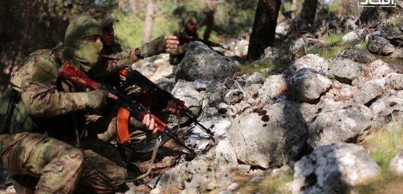 """""""تحرير الشام"""" تتهم قوات الأسد باستهداف الكبانة بـ """"الكلور السام"""""""