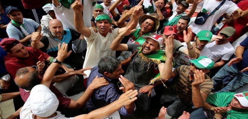 الجزائر: مظاهرات الجمعة 26 للحراك تؤكد على تمسك المحتجين برحيل كل رموز نظام بوتفليقة
