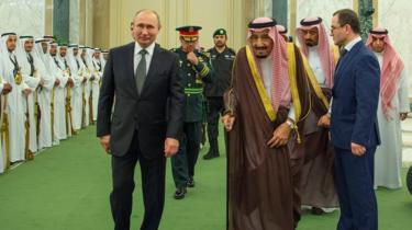 زيارة فلاديمير بوتين للخليج: هل تحصد موسكو ثمار فشل سياسة واشنطن؟