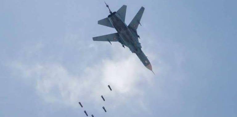طائرات النظام تستهدف الأسواق الشعبية في إدلب وترتكب مجزرة في معرة النعمان
