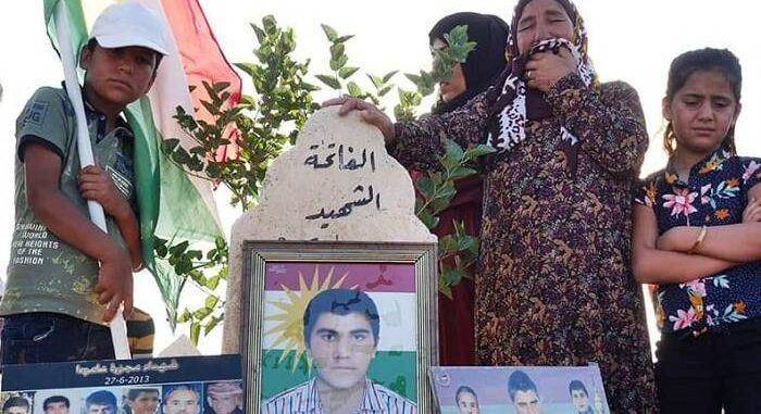 """أهالي ضحايا مجزرة """"عامودا"""" يطالبون بمحاسبة قيادات من """"PYD"""""""