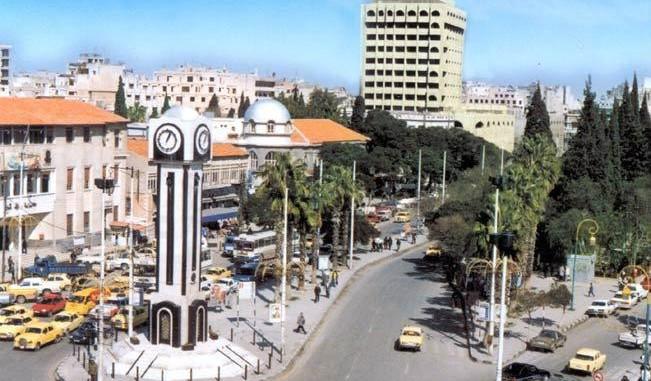 حملة اعتقالات في حمص بعد لصق صور الأسد على حاويات القمامة