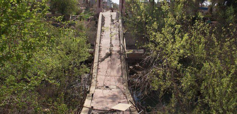 ديرالزور بعد تدميرها لمنازلهم حكومة نظام الأسد تجبر الأهالي على إزالة الركام