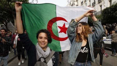 الجزائر: حبس مزيد من نشطاء الحراك و23 معتقلاً ينفذون إضراباً عن الطعام
