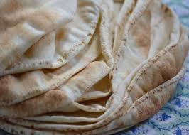 النظام يرفع سعر كيلو الخبز السياحي إلى ألف ليرة في اللاذقية ويثير غضب الحاضنة