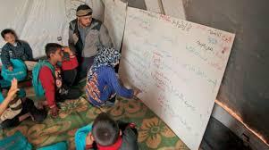 حين تكون معلماً في مخيمات الشمال السوري المحرّر.. يعني أنك ستجوع